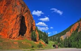 Картинка автомобиль, небо, дорога, горы, тоннель, скалы