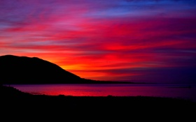 Картинка облака, небо, зарево, горы, вечер, озеро