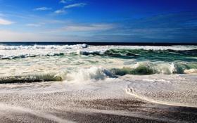 Обои синее, волны, небо, берег, море