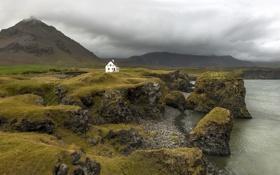 Обои гроза, горы, дом, скалы, пальто, Исландия, серые облака