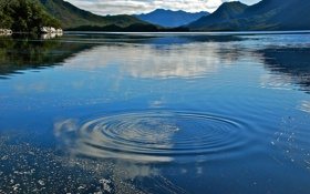 Обои вода, круги, горы, озеро, Австралия