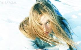 Картинка зима, снег, девушка, ветер