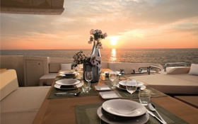 Обои океан, вечер, яхта, ужин