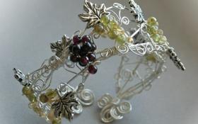 Картинка макро, металл, завитки, виноград, браслет, украшение, гроздья