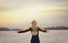 Обои девушка, фон, огонь