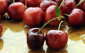 Обои капли, макро, вишня, ягоды, черешня