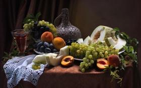Обои вино, бокал, виноград, фрукты, натюрморт, персики, сливы