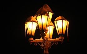 Картинка зима, свет, снег, ночь, чёрный, сосульки, фонарь