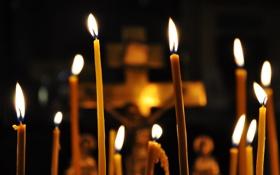 Обои огонь, распятие, Свечи, церковь, воск, свет, собор
