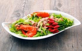 Картинка мясо, перец, салат, креветки, листья салата
