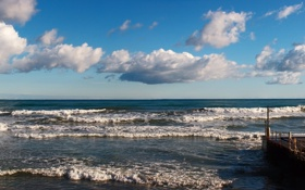 Обои облака, панорама, пристань, прибой, небо, волны, море