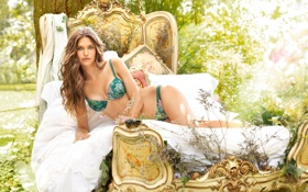 hot-babe,Bianca Balti,кровать,лес обои