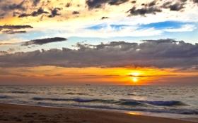 Обои закат, облака, горизонт, небо, солнце, море, песок