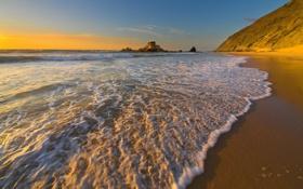 Обои скалы, океан, заход солнца, вода, волны, море, берег