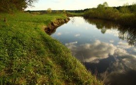 Обои небо, трава, облака, пейзаж, природа, река, отдых