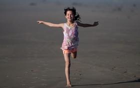 Обои песок, бег, девочка
