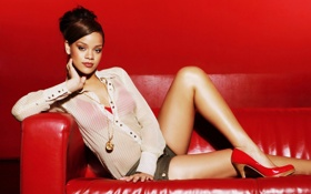 Картинка красный, диван, туфли, Rihanna