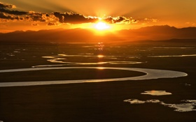 Обои закат, облака, река, небо, равнина, вода, Китай