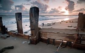 Обои песок, море, волны, небо, пейзаж, закат, камни