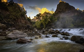 Картинка небо, деревья, горы, река, камни, поток
