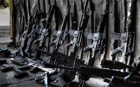 Обои оружие, пистолеты, гараж, винтовки, автоматы, штурмовые