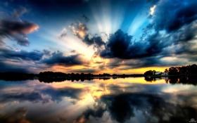 Картинка небо, вода, лучи, красота