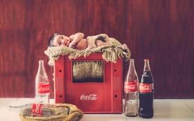 Обои ящик, coca cola, младенец