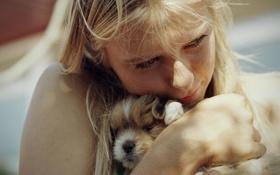 Обои нежность, Мария Шарапова, собачка, забота