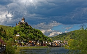 Картинка облака, горы, река, замок, дома, Германия, набережная
