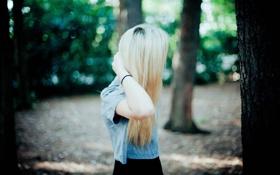 Обои парк, одежда, Девушка, блондинка