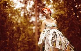 Картинка лес, девушка, платье, газеты, рыжая
