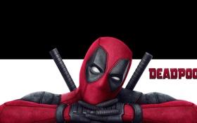 Обои красный, фон, фантастика, черно-белый, маска, костюм, Райан Рейнольдс