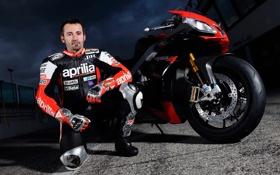 Обои pilot, motorbike, Aprilia RSV, Max Biaggi