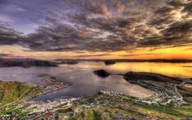 Обои море, небо, облака, город, горизонт, Норвегия, сверху