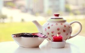 Обои стол, свеча, чайник, печенье