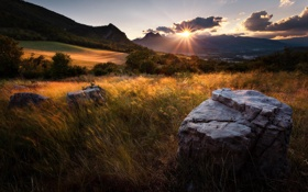 Картинка закат, камни, долина, трава, природа, горы