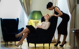 Картинка модель, лампа, интерьер, кресло, брюнетка, блондинка, anna rose
