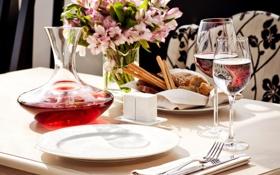 Картинка тарелки, еда, бокалы, сервировка, декантер, вода, хлеб