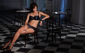 Картинка грудь, девушка, ноги, модель, трусики, белье, стулья