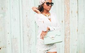 Картинка girl, blouse, lips, hair, glasses, shirt, turban