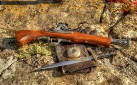 Обои камни, пистолет, часы, перчатки, дуэль, кинжал