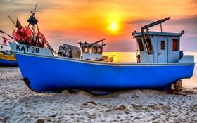 Обои песок, море, закат, побережье, горизонт, катера, на мели