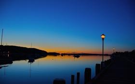 Картинка море, небо, лодки, вечер, фонари, зарево, гавань