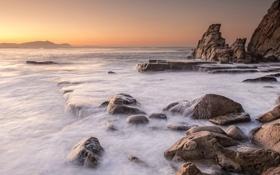 Картинка камни, скалы, рассвет, залив