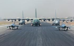 Обои авиация, аэродром, Hercules, C-130H, F-7BG, C-130B