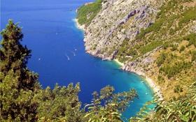 Обои горы, побережье, растительность, катера, пляжи, Хорватия, Адриатическое море