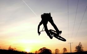 Обои полёт, горизонт, небо, движение, велосипедист