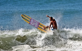 Обои брызги, волна, серфер, экстремальный спорт, доска для серфинга, longboard