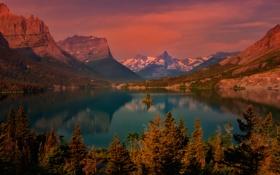 Картинка небо, деревья, горы, озеро, остров, вечер