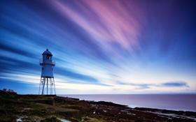 Обои море, небо, облака, камни, маяк, выдержка, лавка